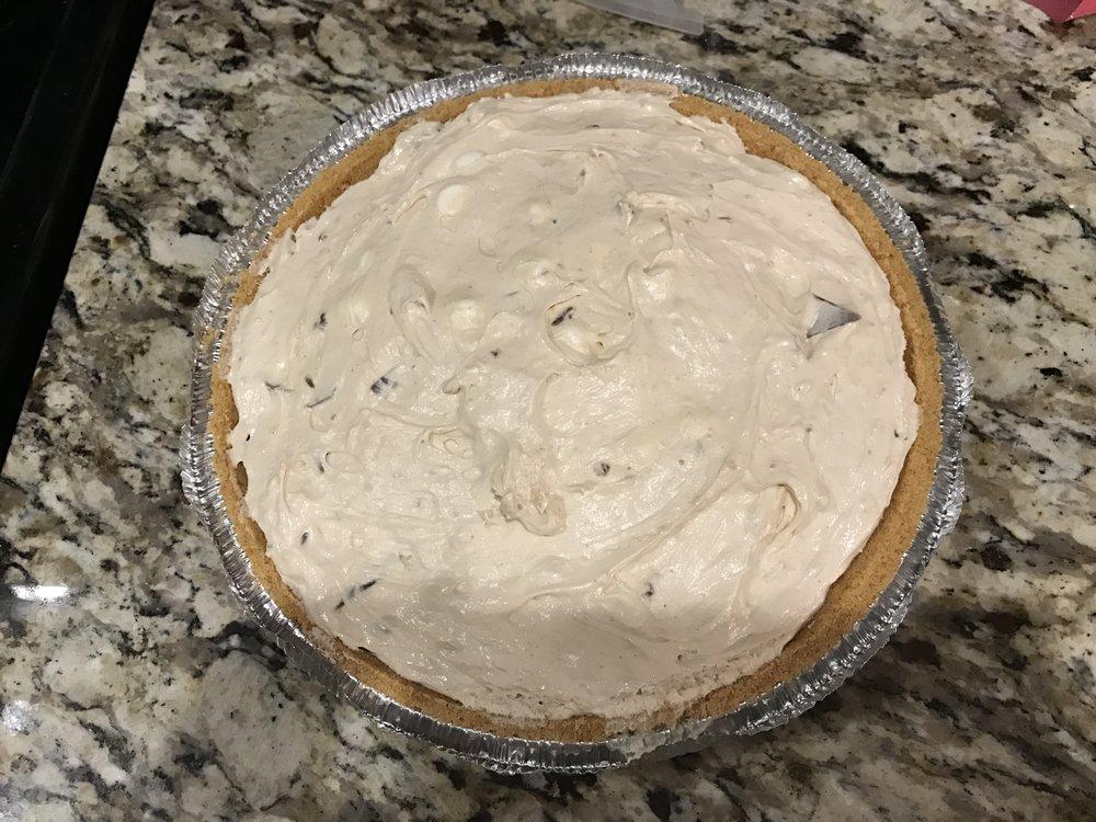 La La Land Peanut Butter S'mores Pie