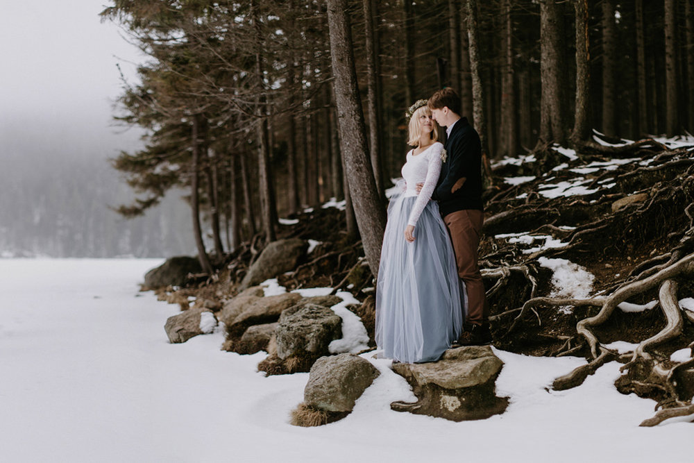 SECRET WINTER WEDDING / CZECH REPUBLIC -