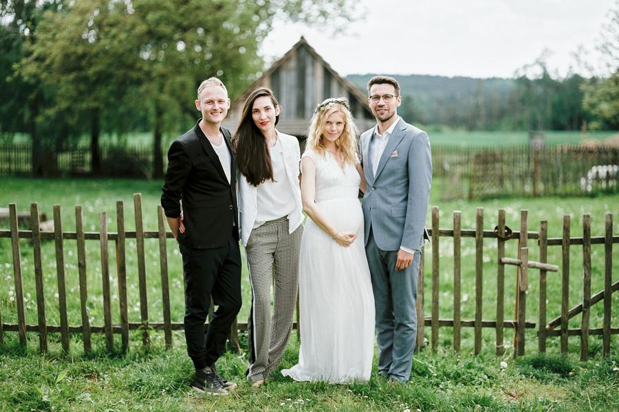 intimate-backyard-wedding-photographer.jpg