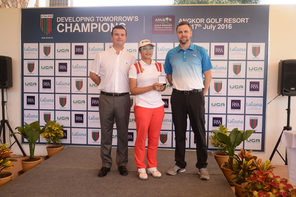 Prize Presentation with Angkor Golf Resorts David Baron (Direction of Golf, left) and Alan Martin (Head Professional, right).