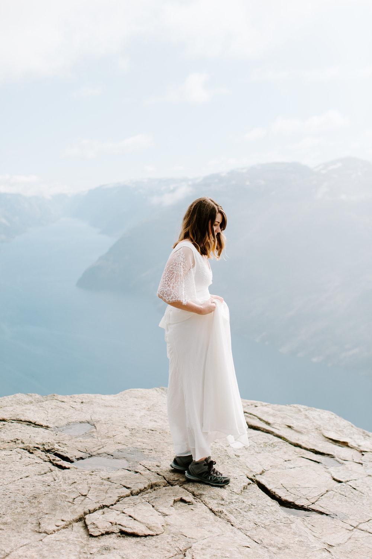 bride on pulpit rock