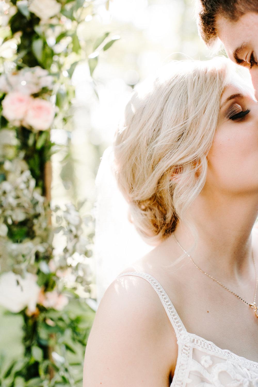 bride-details-floral.jpg