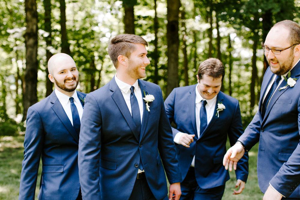 groomsmen-photos.jpg