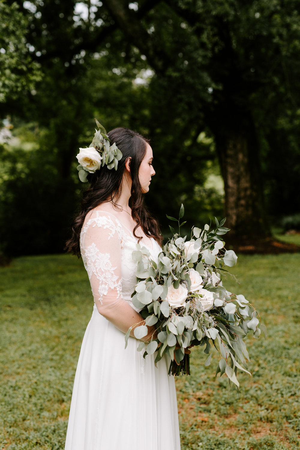bride-with-greenery-bouquet.jpg