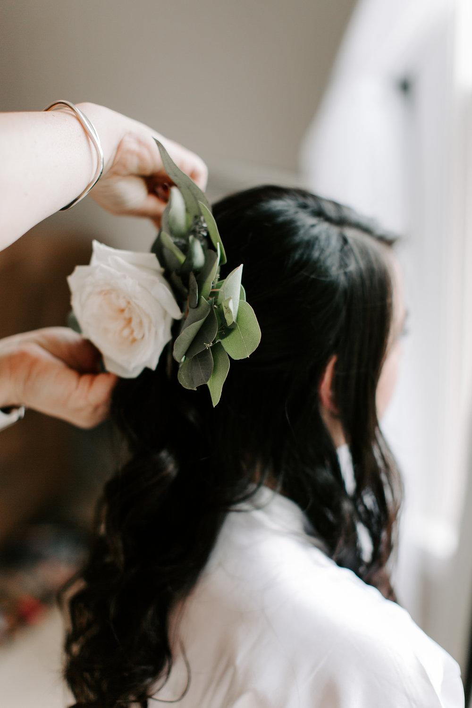 greenery-in-bride-hair.jpg