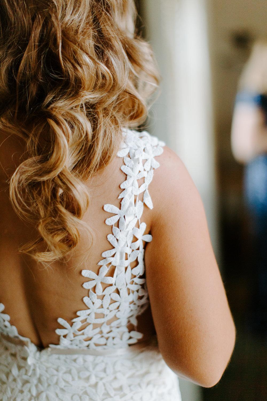 laudae dress details