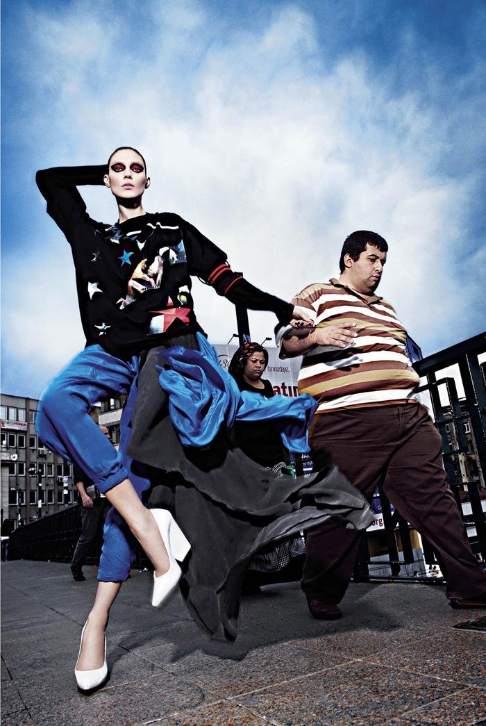 Young-Turks-Kati-Nescher-by-Mario-Sorrenti_15.jpg