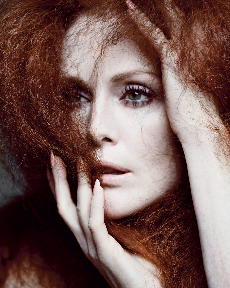 julianne-moore-t-magazine-4.jpg