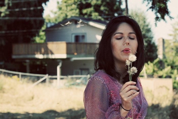 dandelion-meadow-vintage-tacoma-fashion-photograhpy.jpg