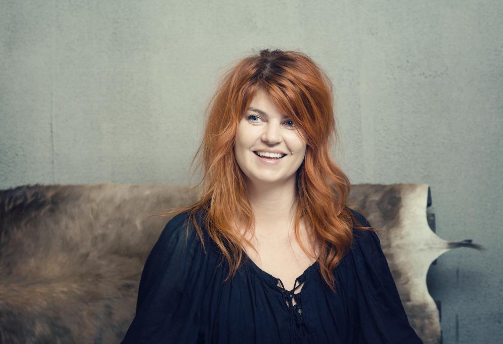 Marianne Boksa, ejer, fotograferet i Salonen, som hun selv har indrettet.
