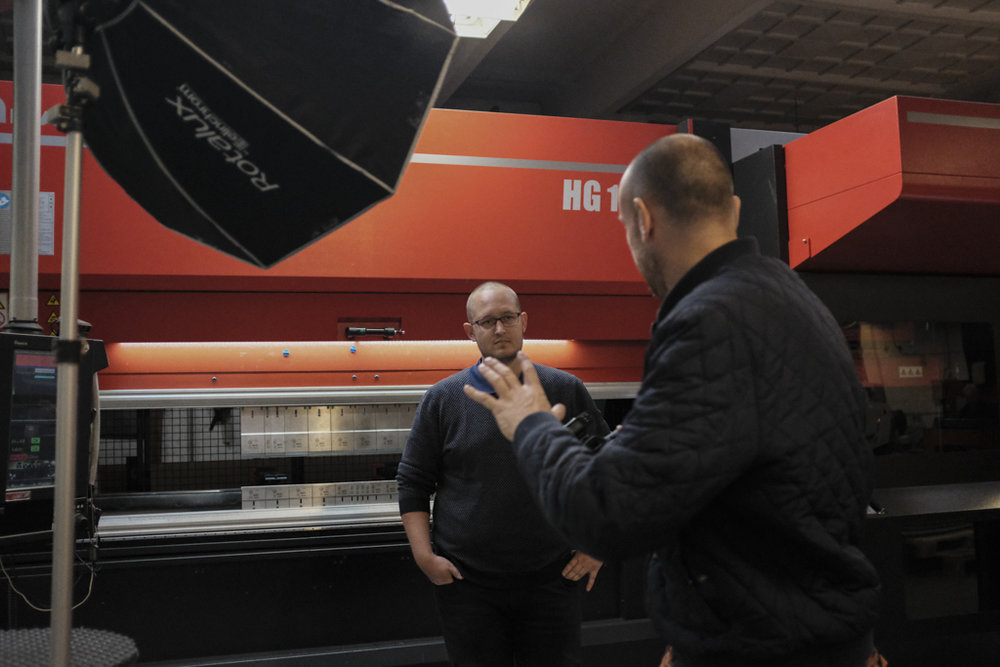 Jakob Vind forklarer sin foto-idé hos SMI Sorø
