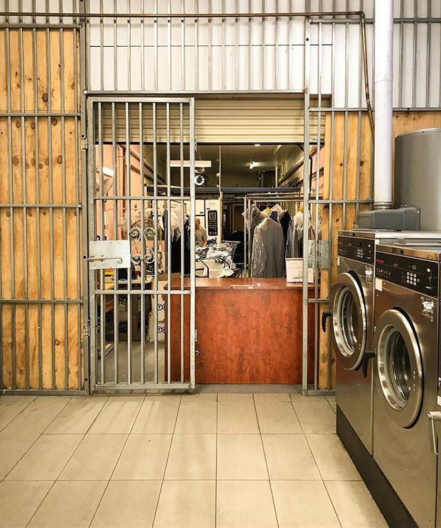Preston, Victoria, Australia. #laundromatsofinstagram #laundromat #waschsalon #wassalon #laundrette #launderette #coinlaundry #lavage #laundry #altourism #laverie #facade #minimalism #lavomatic #washing #melbourne #victoria #australia #preston