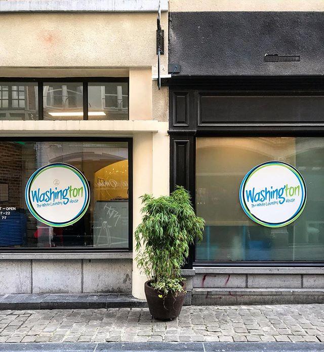 Brussels, Belgium. #laundromatsofinstagram #laundromat #waschsalon #laundrette #launderette #coinlaundry #laundry #altourism #laverie #minimalism #washing #facade #brussels #belgium