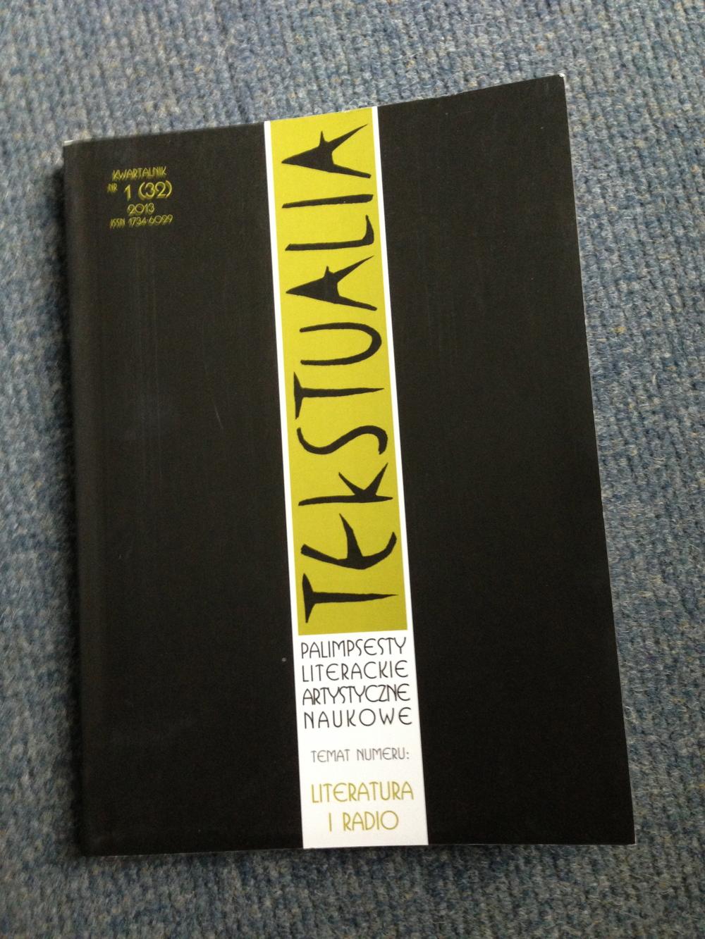 cover of tekstualia.jpg