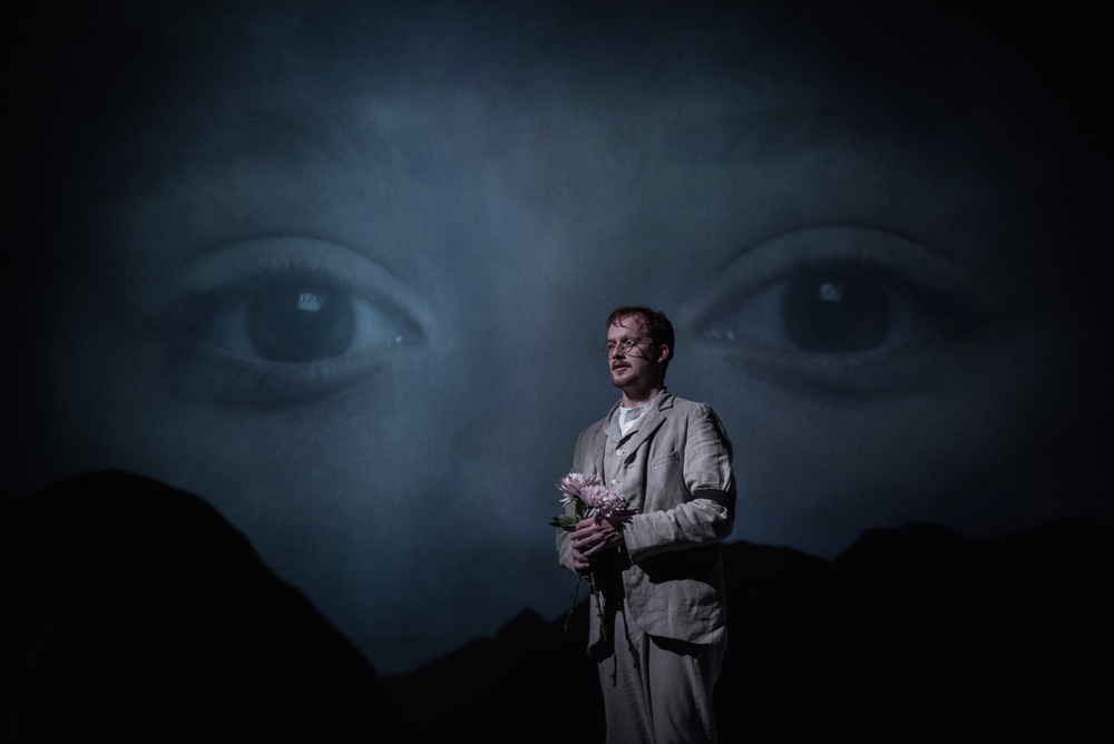 Jolyon Coy in Little Eyolf Henrik Ibsen/Richard Eyre (Almeida Theatre). Photo: Hugo Glendinning