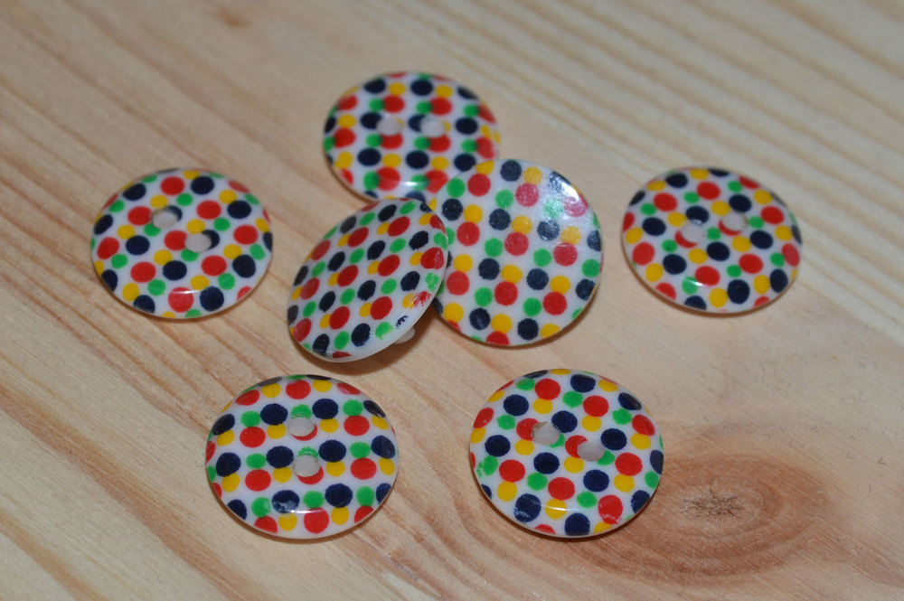 Polka dot button set