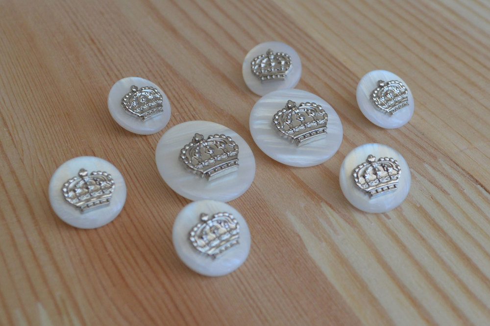 Crown button set