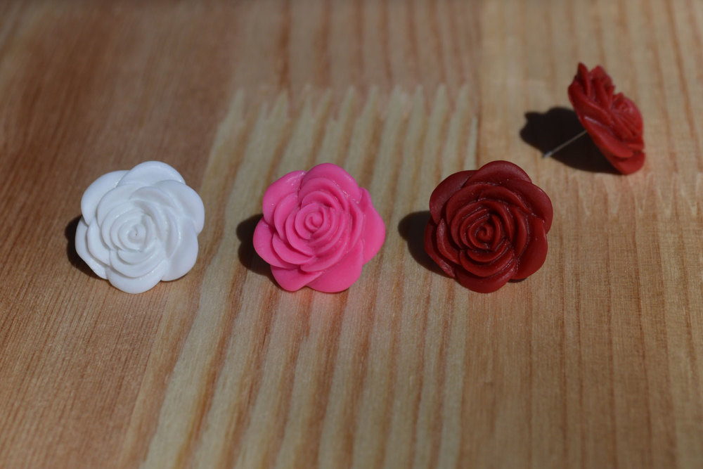 Large, open roses. Also available in pale pink, olive green or cream,