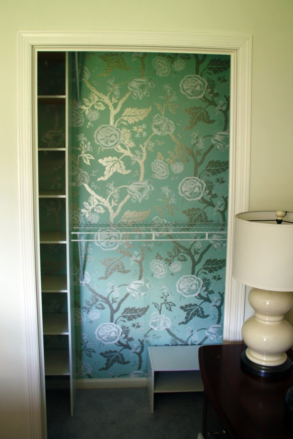 Wallpaper is an excellent, mess-free alternative to paint! (Photo Credit: iheartorganizing blog)