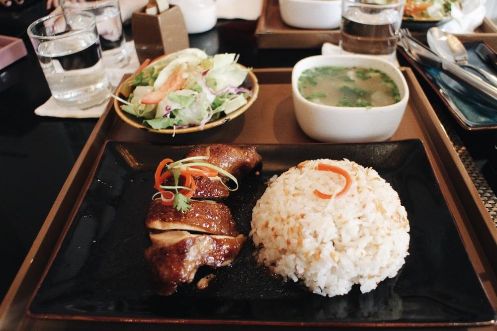 Roti Chicken, sooo delicious at Runam Cafe !