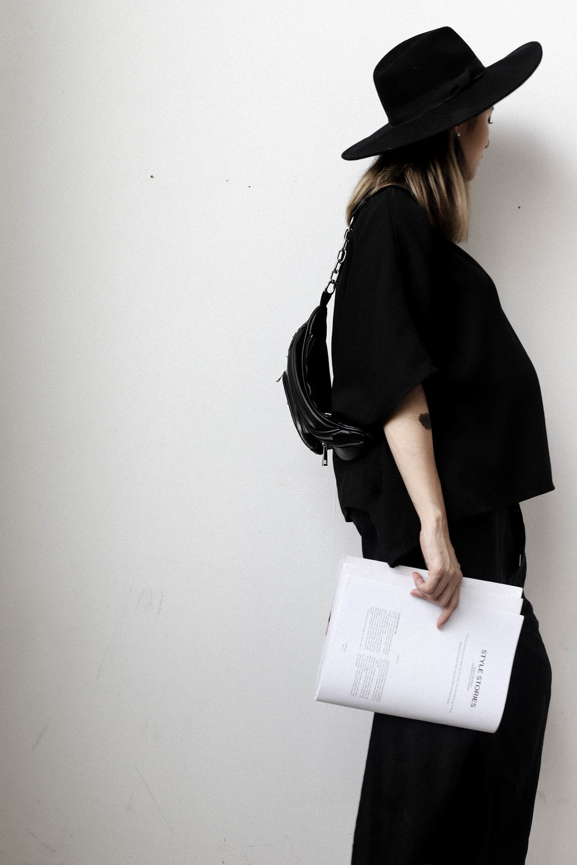 Julia Doan pregnant vietnam streetstyle-2.jpg