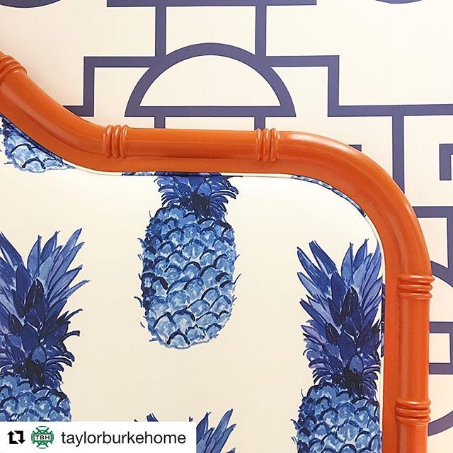 #Repost @taylorburkehome with @get_repost ・・・ Coral crushing on our Beaufort Headboard🍍🍍🍍