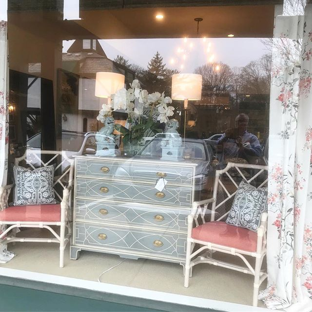 Our current window vignette is channeling spring 💐 🌸