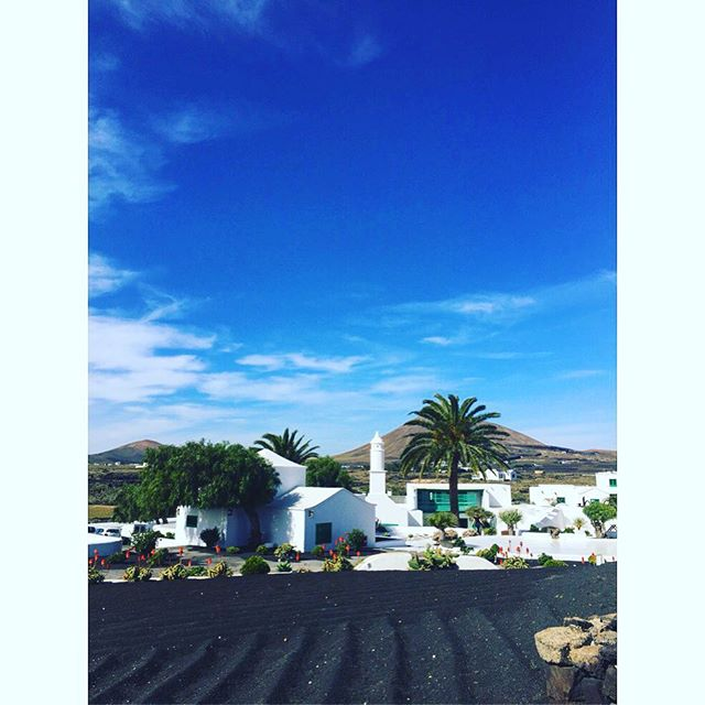 #Amazing view 💙 . . . . . #explore #vacation #tourism #tourist #instatrip #traveling #travelphotography #travelpic #travelphoto #travelblog #travelblgger #travelgram #bluesky #Lanzarote #island  #volcanicisland
