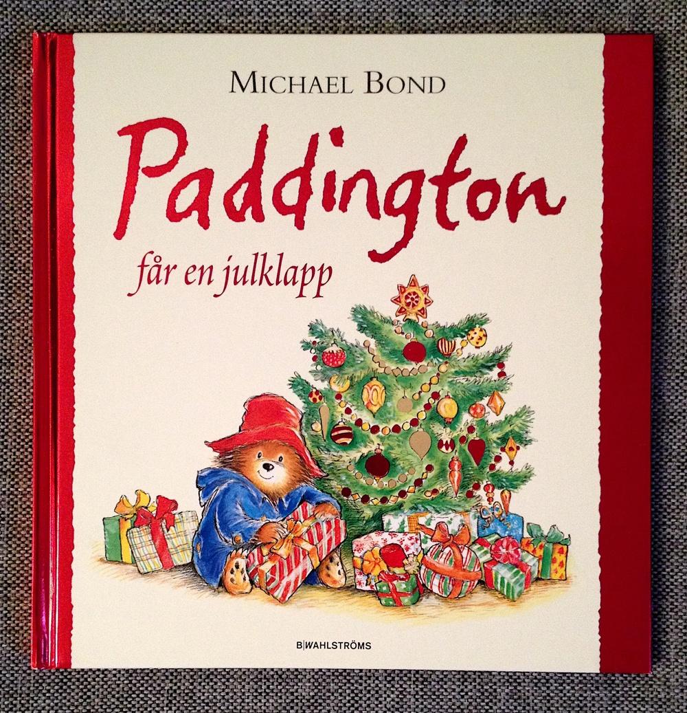 Paddington får en julklapp av Michael Bond  Illustrerad av R.W. Alley