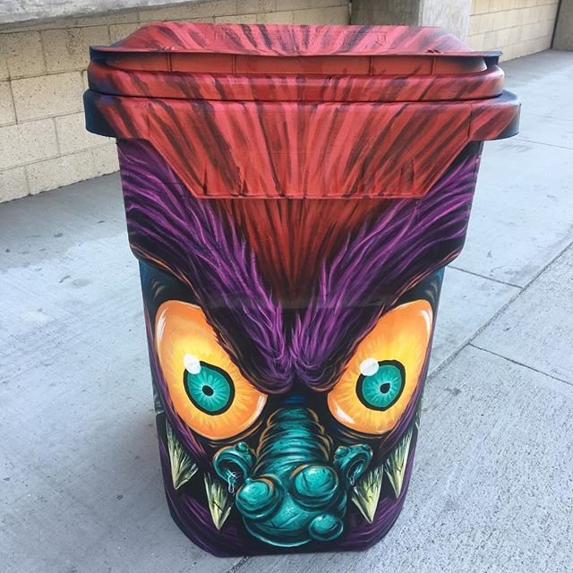 Here's the full monster!! It'll be roaming the polo fields at #Coachella eating all your waste. Thanks @globalinheritance #letsgettrashed #mypetmonster #90s #recycle