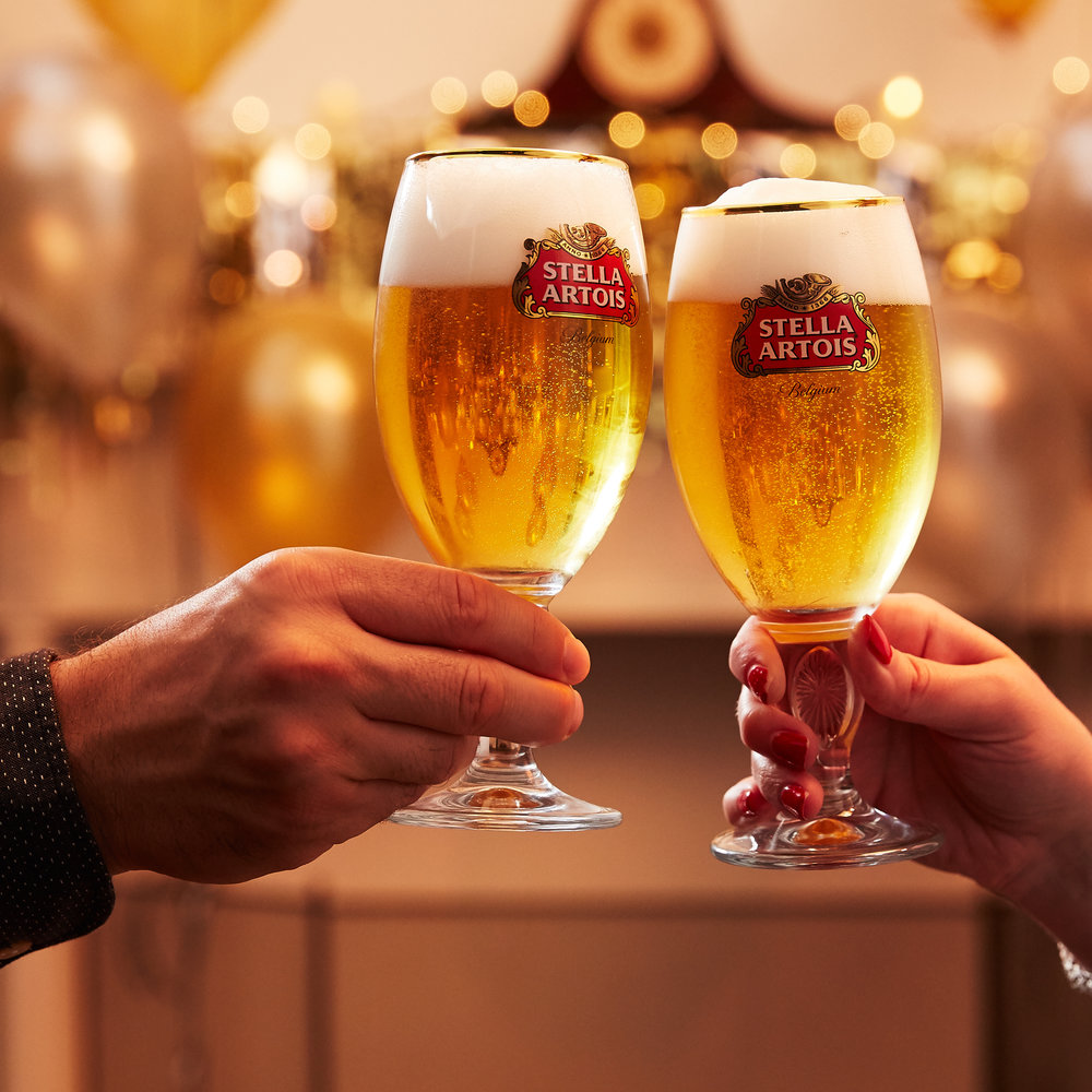 Stella Artois - holiday social stories