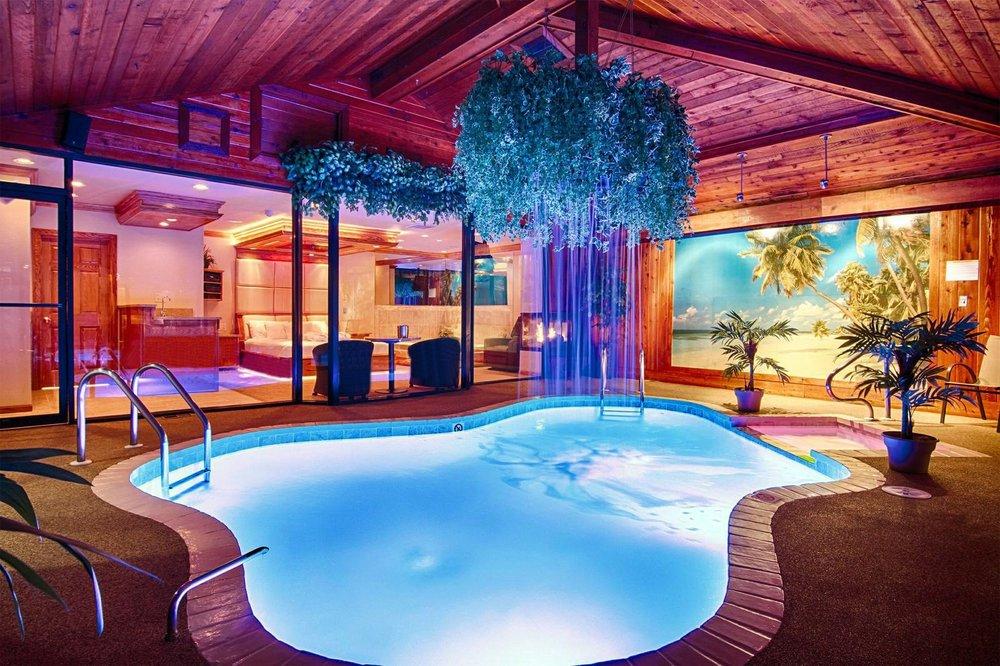 photo courtesy of Sybaris Pool Suites