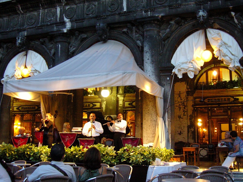Go To Restaurant That offers Live Music -