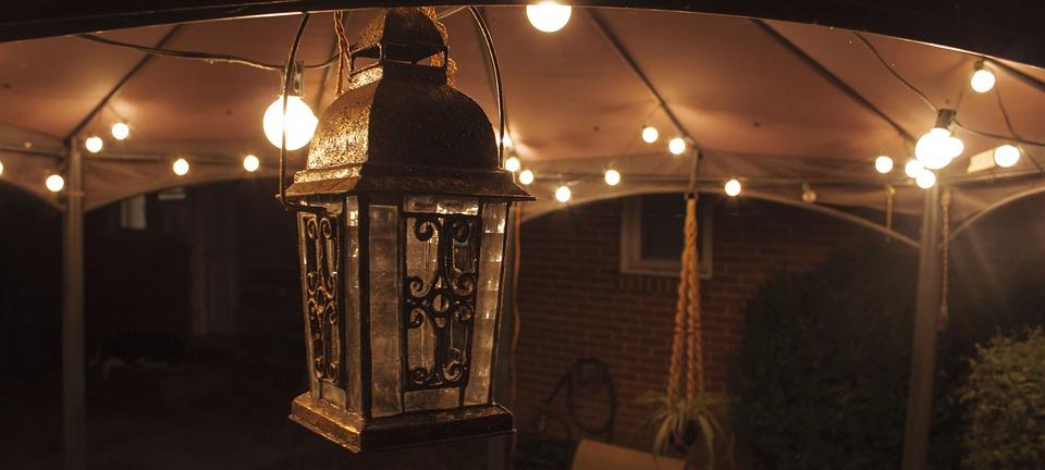 lantern-2785722_960_720.jpg