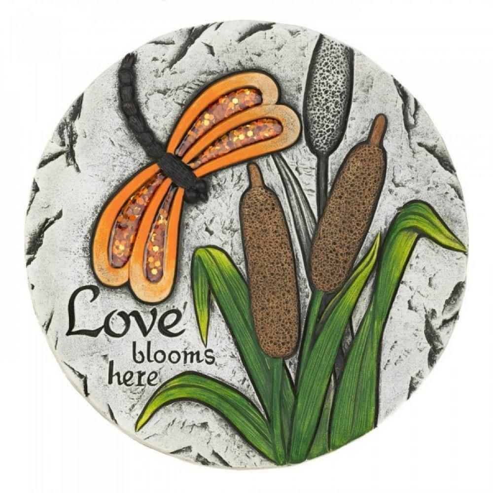 LOVE BLOOMS HERE STEPPING STONE - Give your garden a warm and welcoming touch with this