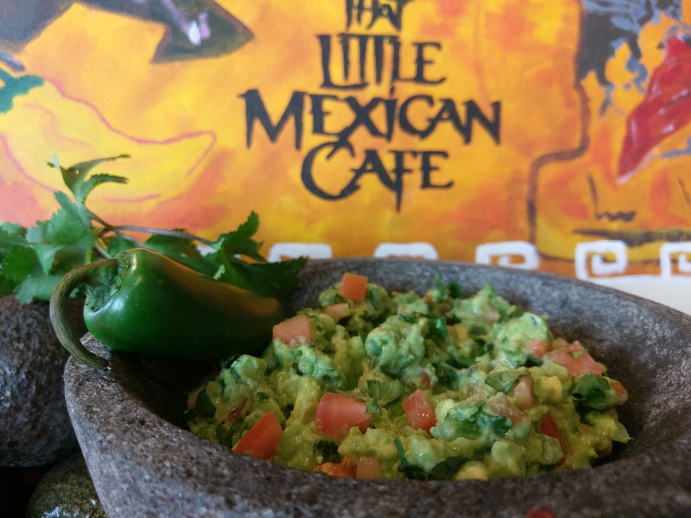 ONE OF THE BEST GUACAMOLE IN CHICAGO! - http://makeitbetter.net/dining/where-to-get-the-best-guacamole-in-chicago/
