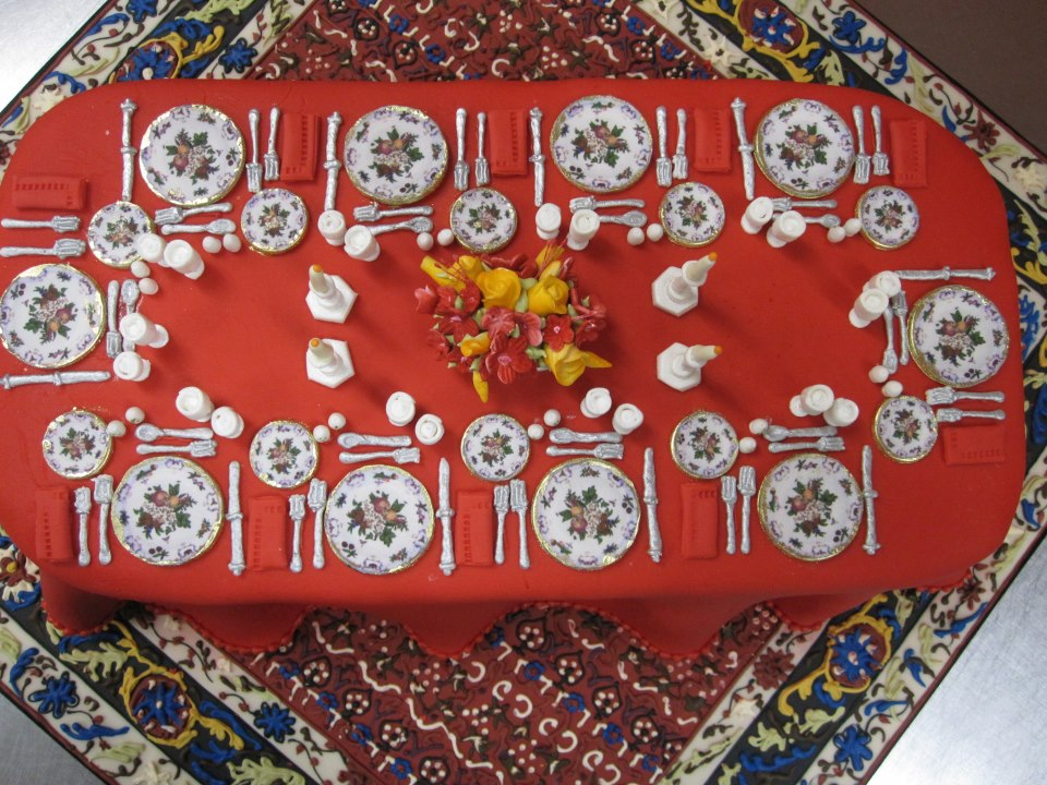 Table Setting Red Cake