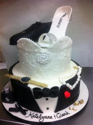 bridal shower cake 550029_10151541169809120_1796818952_njpg