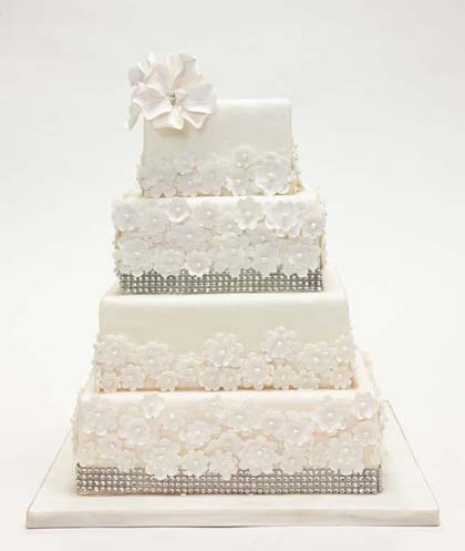 Wedding cake with Blossoms