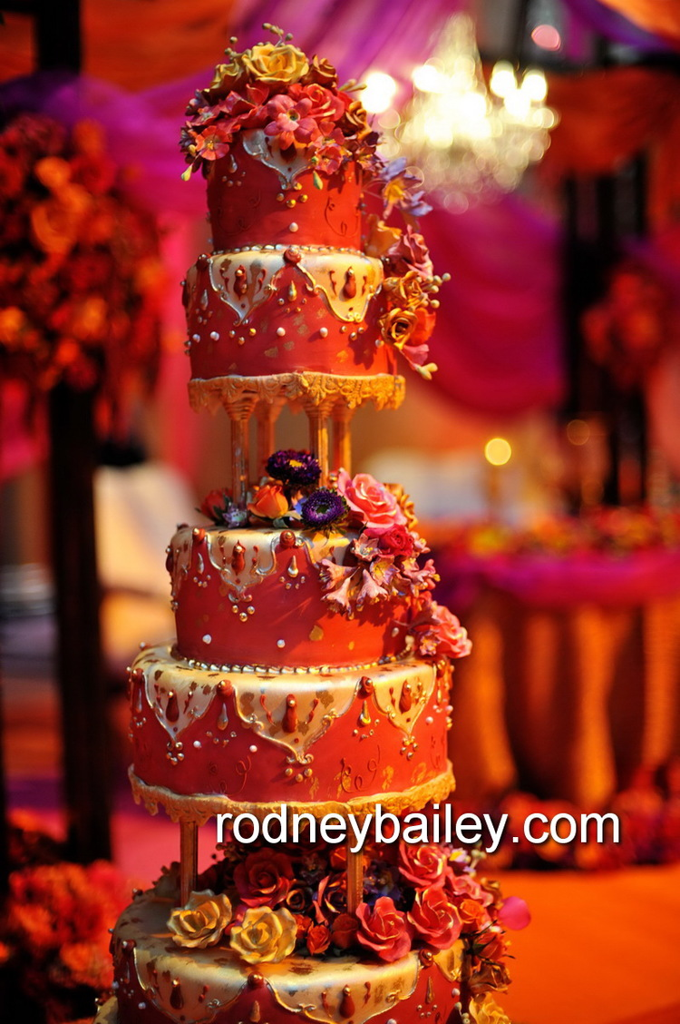 Wedding cake in Indian Red and gold