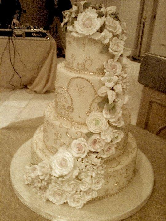 Vintage Wedding Cake Winter