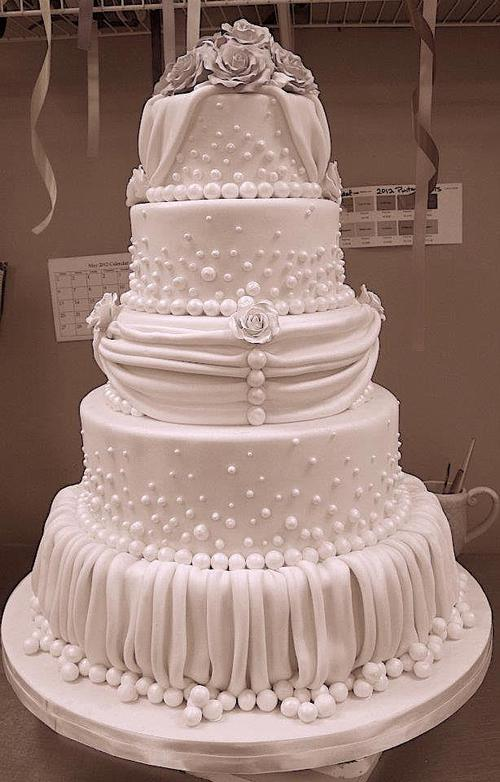 Fondant uffle wedding cake with pearls