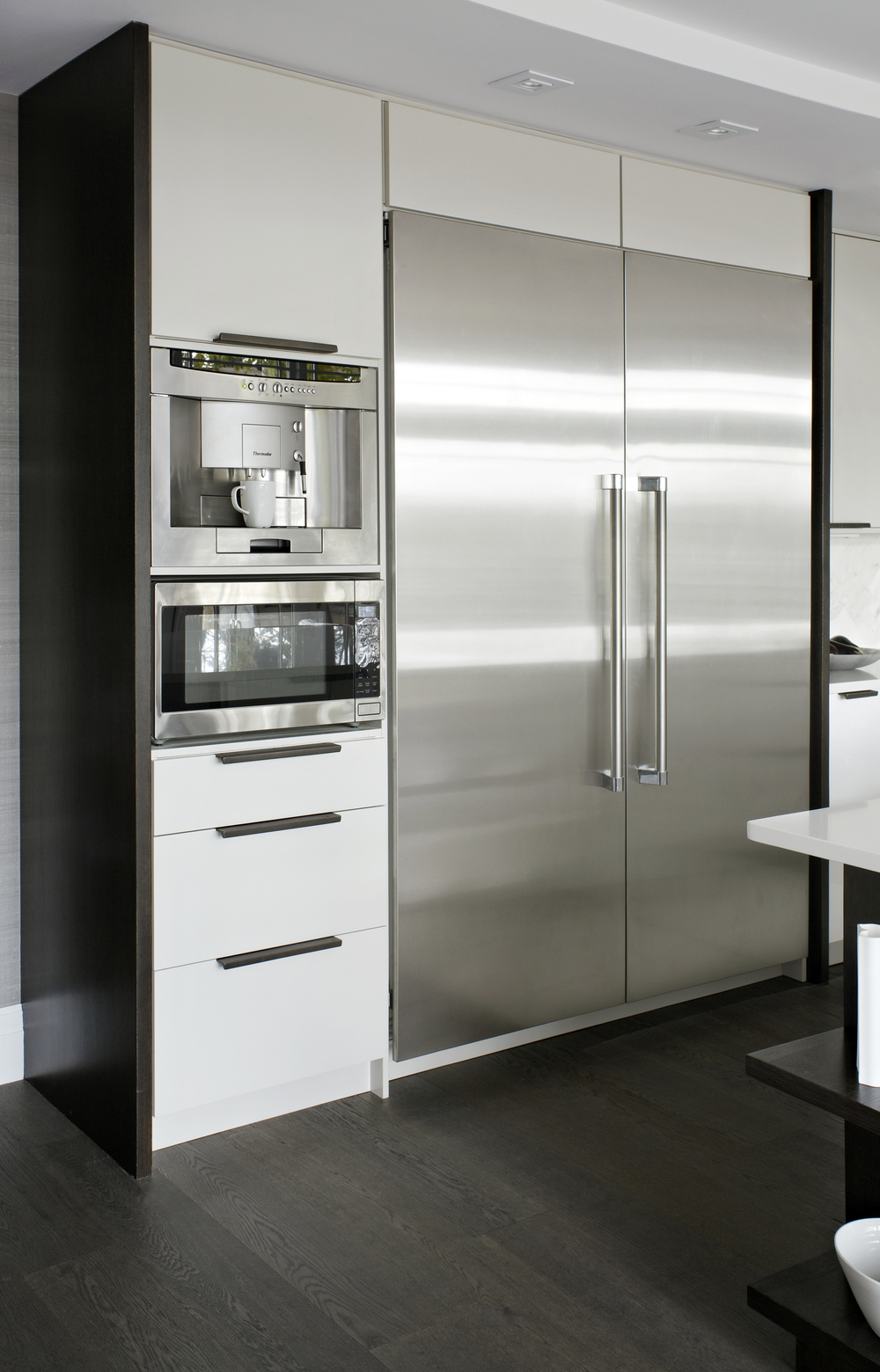 Style At Home Erins Kitchen 8455.jpg