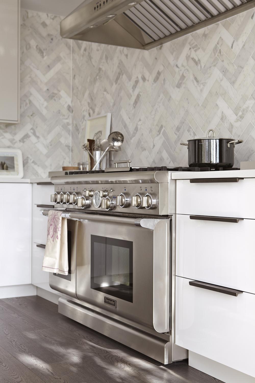Style At Home Erins Kitchen 8537.jpg