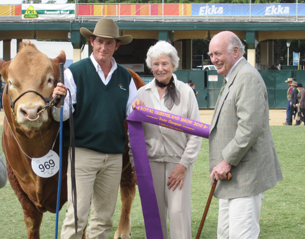 Bill & Carolyn Tooth with Longreach Contestabull Grand Champion Bull Ekka 2010