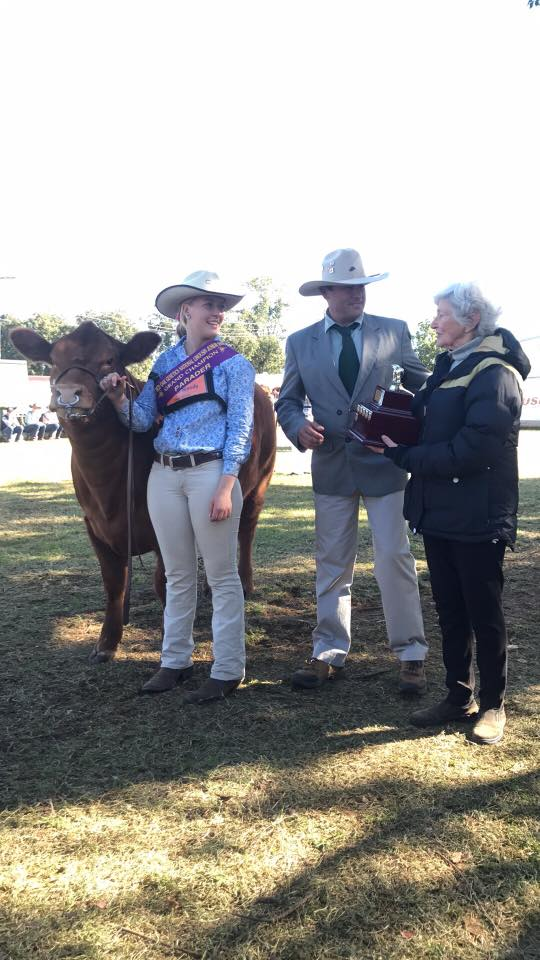 Lauren Moody Receiving the Bill Tooth Perpetual Memorial Trophy for Grand Champion Parader 2017