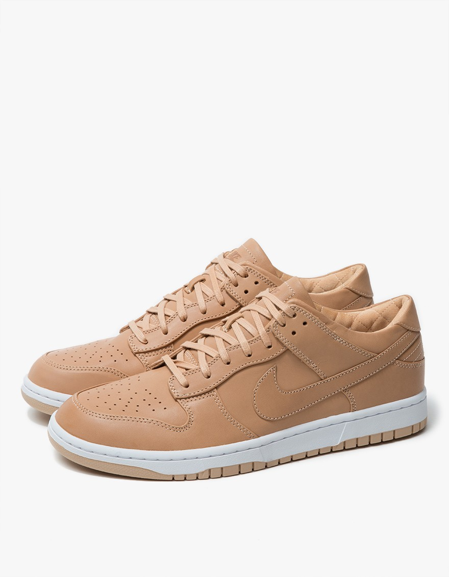 NIKELAB Dunk Lux Low  Iconic Dunk from NikeLab. Premium leather upper, round toe, lace-up front with quilted cloth and memory foam liner, drop-in lunarlon sockliner, reflectivity on heel tab, and logo detailing at sides and tongue.