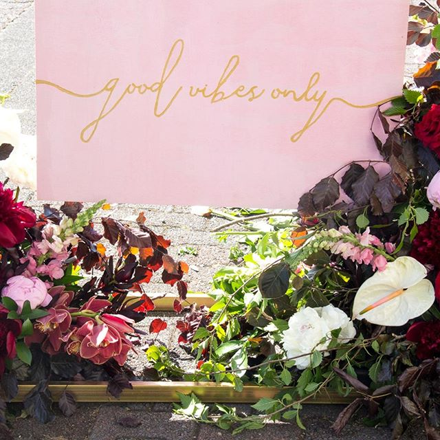 GOOD VIBES ONLY // custom signage and florals for the garden party on OMF #melbournecupday // Styling by @redcreative_insta // #paintthetownred #redattheraces #ellerslieraces #goodvibesonly #thegardenparty #eventstyling #eventsignage #bespokesignage #eventdesign #reimaginingevents #eventsinauckland