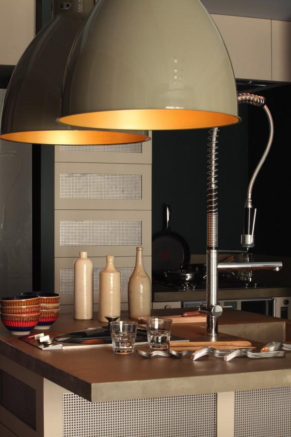 Place-des-Ternes-Apartment-by-Robert-Gervais-Studio-05-600x900.jpg