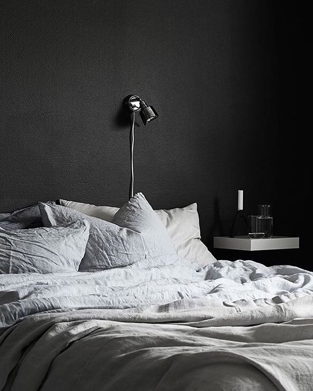 I've always found dark colours calming, (maybe that's why I wear so much black?!) I find the use of dark colours in the bedroom is such an amazing concept, I'm not sure why it's taken so so long for this to become a trend? Not only does it block out any unwanted light it looks superb! Add some bright neutral linens and not only do you have a calming and sleep-conducive environment you'll have a striking and cleansing bedroom. ⠀⠀⠀⠀⠀⠀⠀⠀⠀ ⠀⠀⠀⠀⠀⠀⠀⠀⠀ ⠀⠀⠀⠀⠀⠀⠀⠀⠀ ⠀⠀⠀⠀⠀⠀⠀⠀⠀ ⠀⠀⠀⠀⠀⠀⠀⠀⠀ #interiordeco #interiors #interiorart #lifestyleinspo #lifestylegoals #neutralstyling #neutralinterior #neutrallifestyle #naturalstyling #naturallifestyle #naturalinteriors #nordicstyle #nordicinteriors #nordicstyling #pocketofmyhome #scandinavianhome #mittnordiskehjem #scandinaviandesign #homeliving #homelifestyle #darkinteriors #homewares #lovelyinterior #nordiskehjem #hygge #hyggehome #bedroomstyle #sleepstate